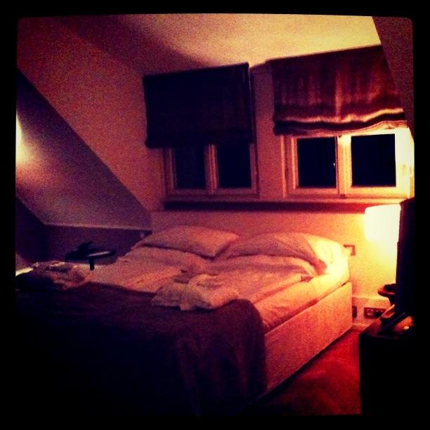 germany curious dc. Black Bedroom Furniture Sets. Home Design Ideas